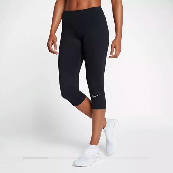 f919897a51e1 Women s Nike Tight-Capri Length. Size M.